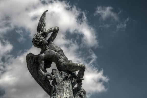 Fuente_del_Ángel_Caído_(Retiro,_Madrid)_03
