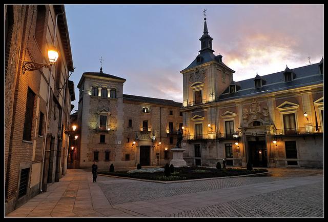 plaza-de-la-villa