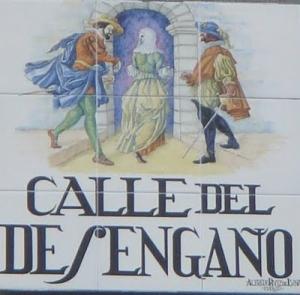 Azulejo en la Calle Desengaño que refleja la leyenda que pudo originar el nombre de esta pequeña vía.