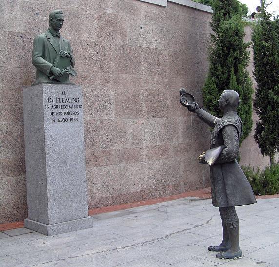 Escultura de Fleming en Las Ventas, Madrid