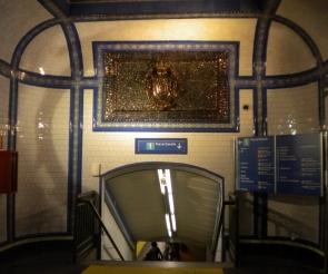 Los muros de la estación de Tirso de Molina en Madrid guardan un misterioso secreto