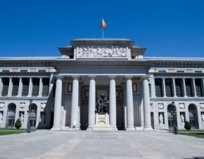 Fachada del Museo del Prado, en Madrid