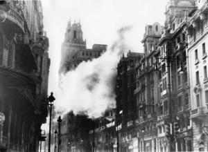 Durante la Guerra Civil fue uno de los principales blancos y sufrió numerosos ataques. Madrid