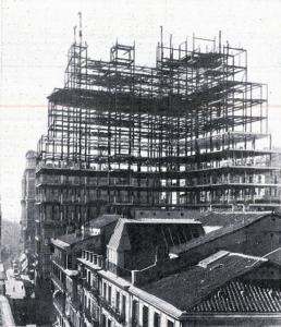 Según avanzan los meses el edificio va cogiendo forma...