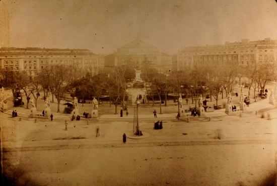 Plaza de Oriente en 1887 en Madrid