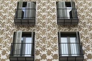 Fachada inspirada en la obra de Escher en Madrid