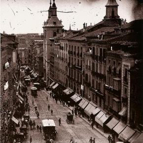Calle Montera, con la Iglesia de San Luis, Madrid