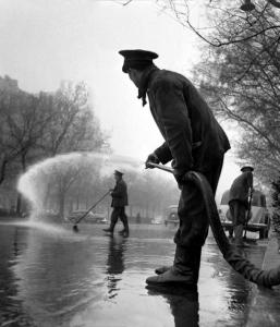 catala-roca operario regando madrid 1953