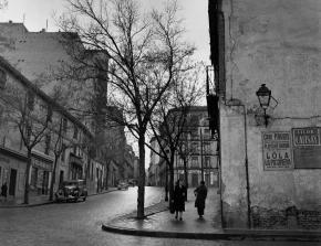 Calle Embajadores, de Madrid, en 1953. Fotografía de Catalá Roca