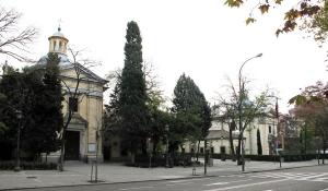 La ermita de San Antonio de la Florida original junto a su copia, en Madrid