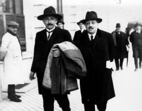 Einstein paseando por Madrid en marzo de 1923