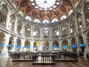 """El """"parquet"""", estancia central del Palacio de la Bolsa, en Madrid"""