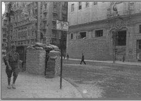 La Gran Vía de Madrid, durante la Guerra Civil, en 1936