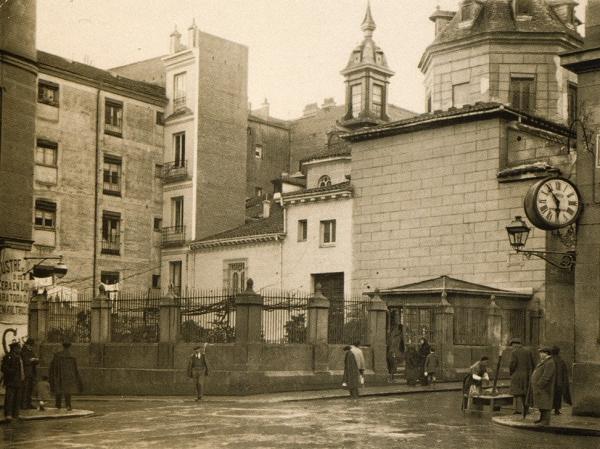 Iglesia de San Sebastián y Plaza del Ángel en 1920, Madrid