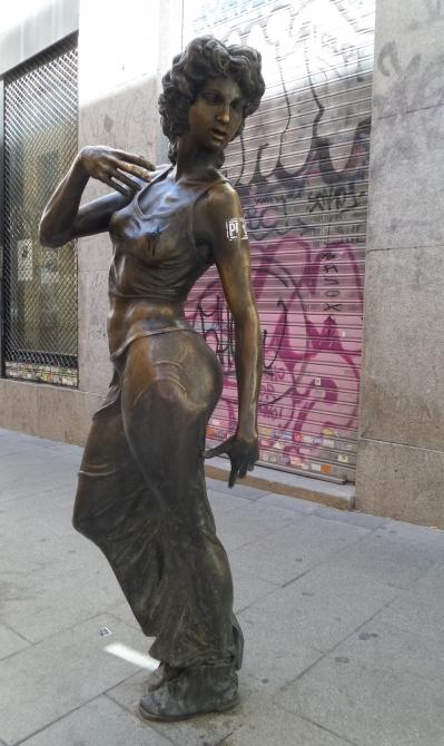 La Paseante, en la Calle de la Palma, Madrid