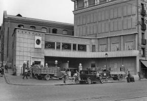 Antigua gasolinera en el Paseo del Prado, Madrid