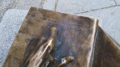 Lector en la plaza, de Félix Hernando., en Madrid