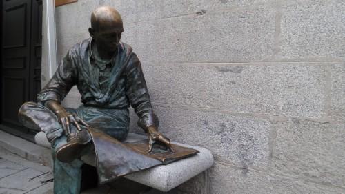 Lector en la plaza, de Félix Hernando, en Madrid