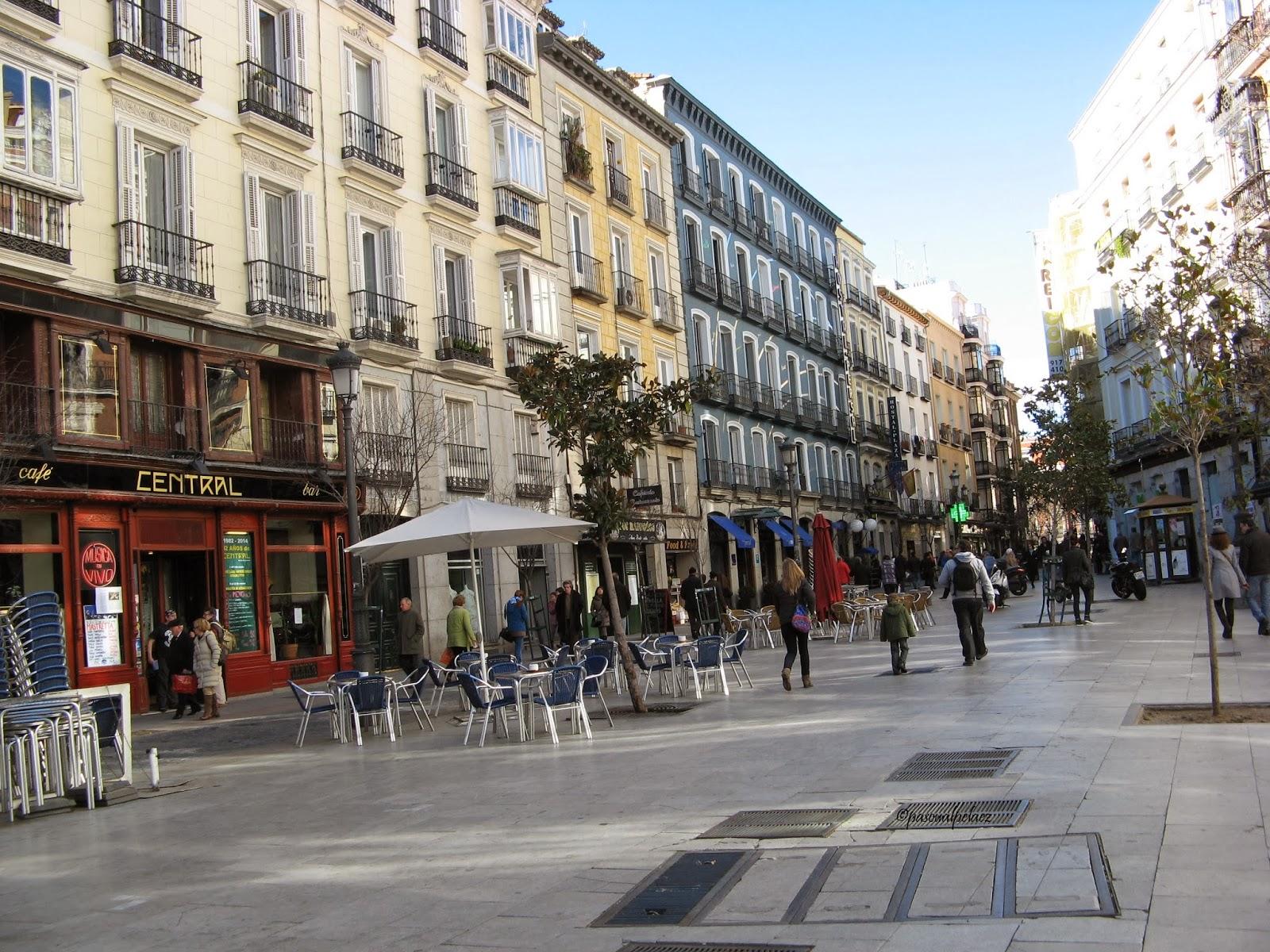 Los secretos de la plaza del ngel secretos de madrid for Codigo postal del barrio de salamanca en madrid