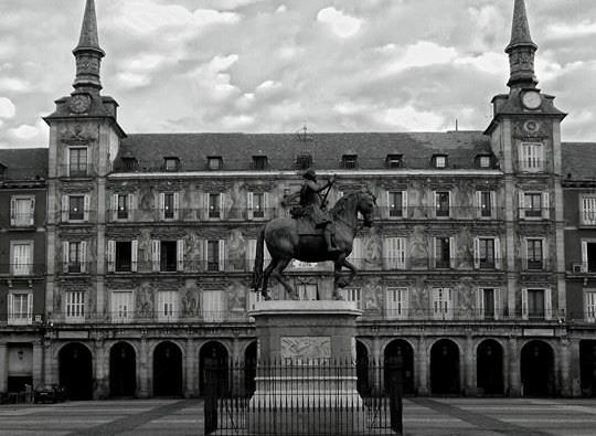 Plaza Mayor vacia3