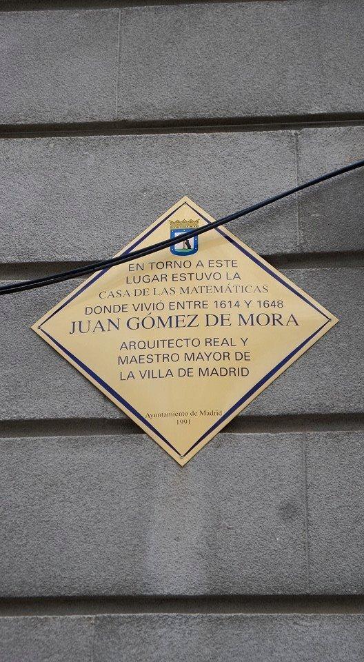 Placa Juan Gómez de Mora, Madrid