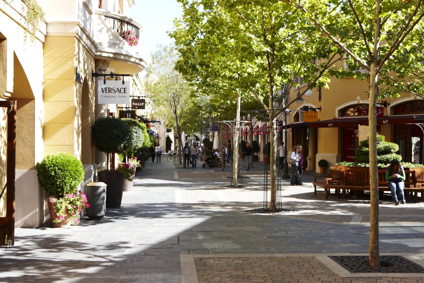Las rozas village para so de las compras - Persianas las rozas ...