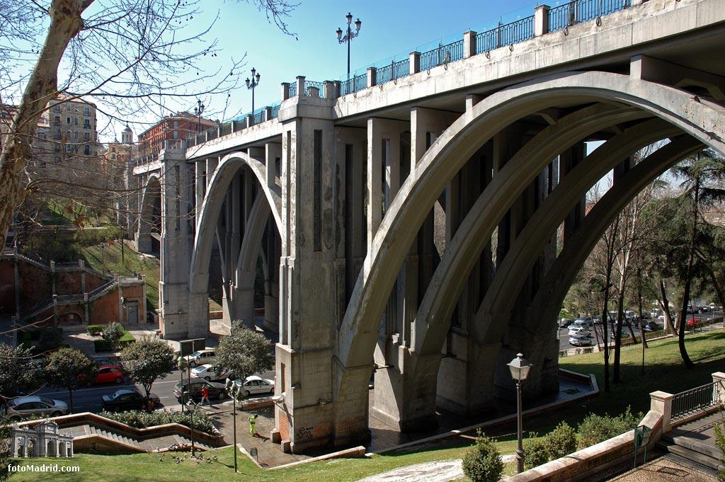 Viaducto de la Calle Segovia, Madrid