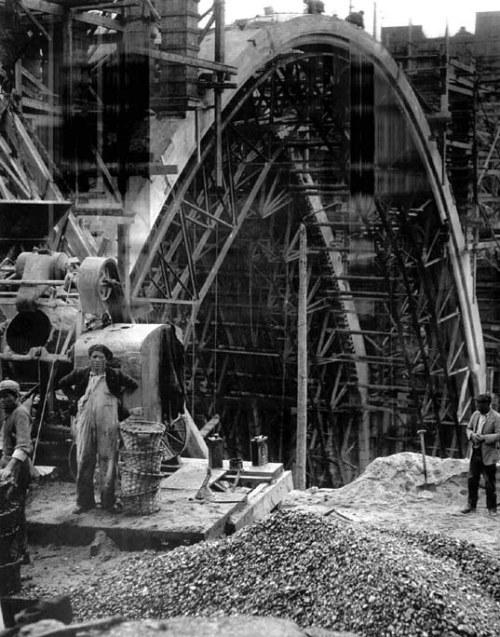Construyendo el nuevo viaducto, marzo de 1935, Madrid