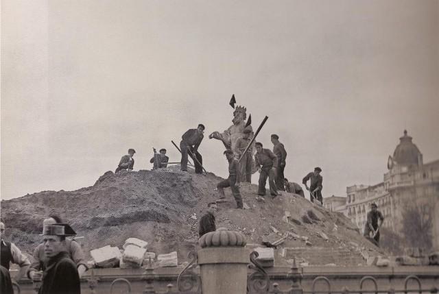 Desenterrando a Neptuno, Madrid