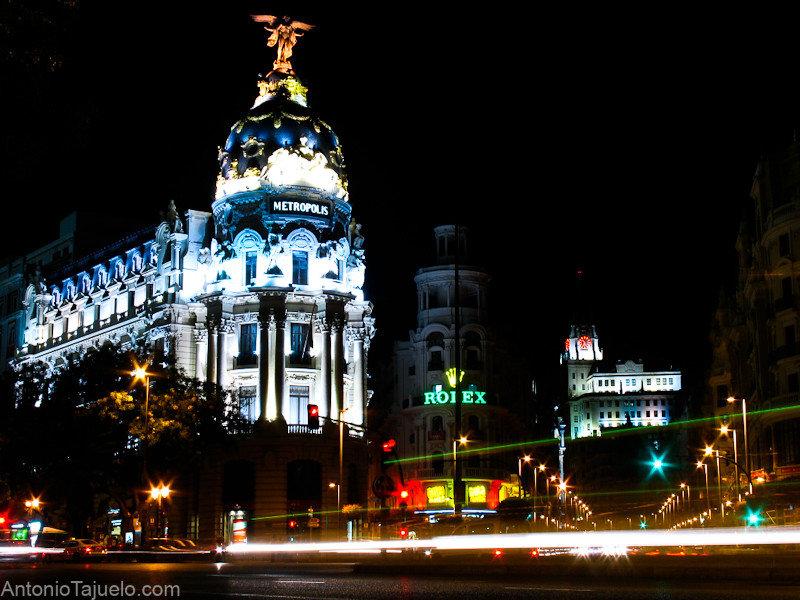 Edificio Metrópolis de noche, Madrid