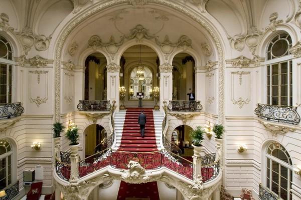 Escalinata Casino de Madrid