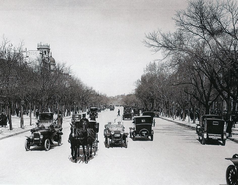 Paseo Recoletos en 1930 Madrid