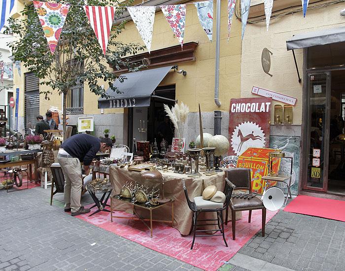 El barrio de las letras se pone guapo secretos de madrid - Mercadillo antiguedades madrid ...