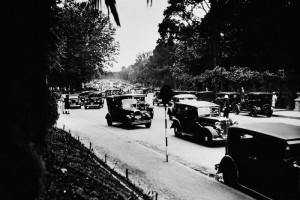 Paseo coches del Retiro, años 30. Madrid