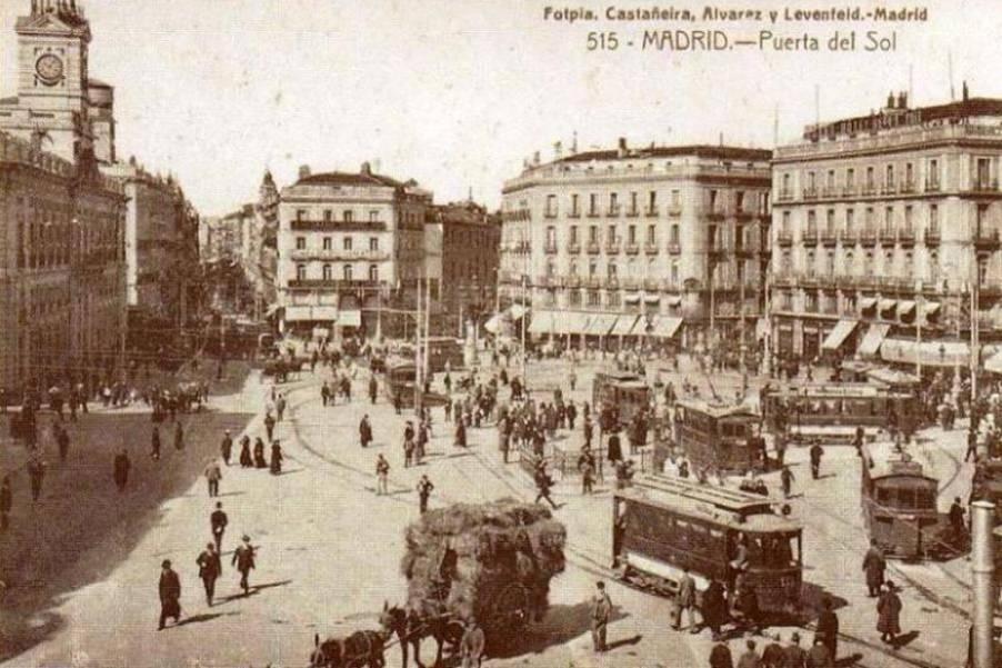Tranvía en la Puerta del Sol, Madrid, 1899
