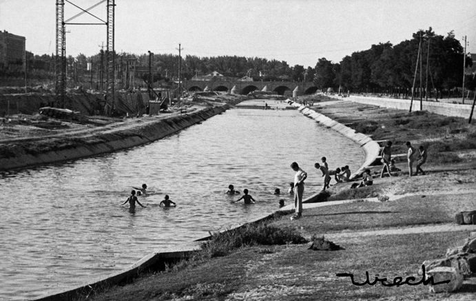 Baño en el Manzanares, 1951