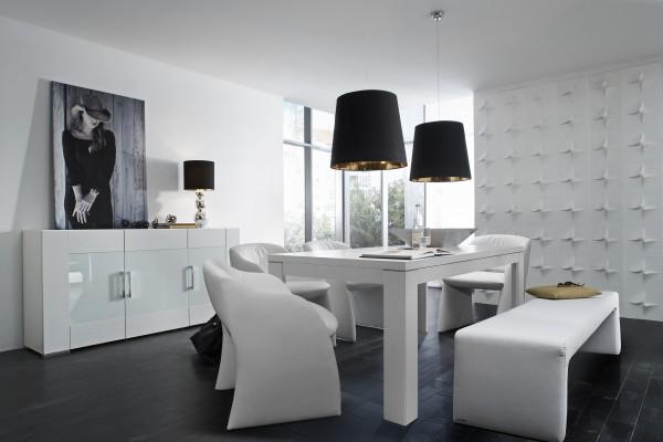 Juego de comedor blanco con banco y sillas tapizados, Livingo, Madrid