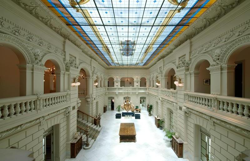 Palacio-Marqu-s-de-Fontablba-grande
