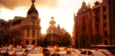 Atardecer en la Calle de Alcalá en Madrid