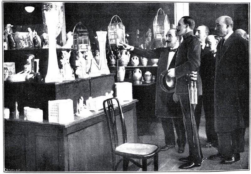 Alfonso XIII en la inauguración de los Almacenes Madrid-París