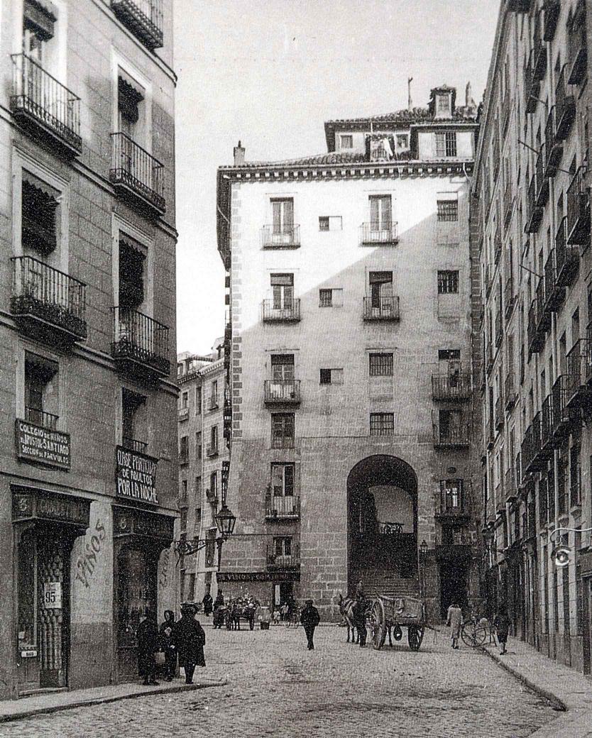 Arco de Cuchilleros en 1919