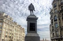 Cervantes en la Plaza de las Cortes