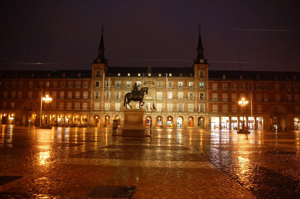 Lluvía en la Plaza Mayor