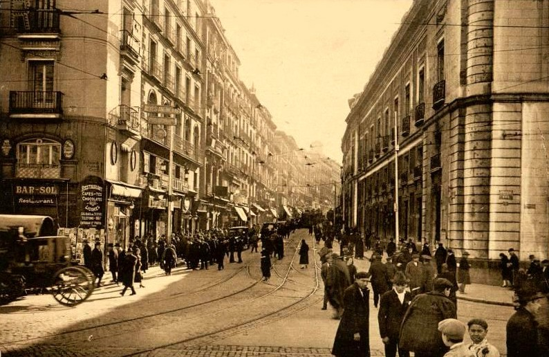 Calle Carretas en 1930