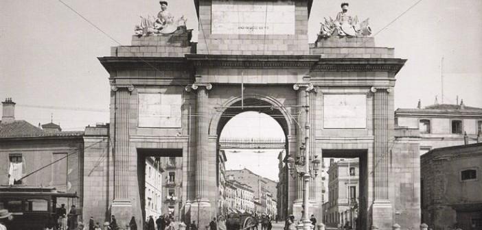Fotos antiguas: La Puerta de Toledo (1906)