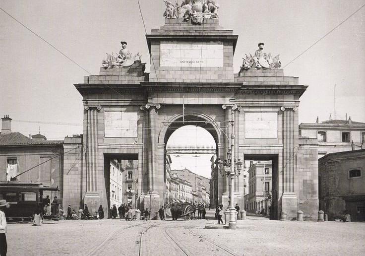 Fotos antiguas la puerta de toledo 1906 for Shoko puerta de toledo