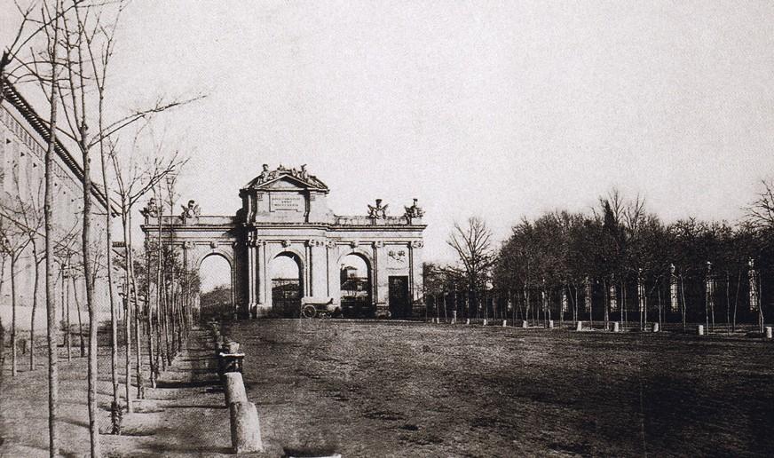 Puerta de Alcalá hacia 1855, Madrid