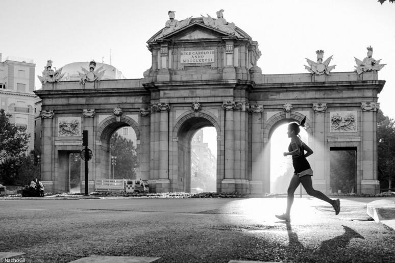 Puerta de Alcalá, Madrid Street Photography