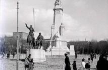Monumento a Cervantes, 1920. Madrid