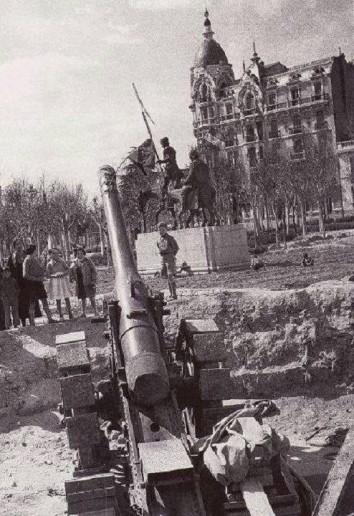 Plaza de España en Guerra Civil (1939), Madrid
